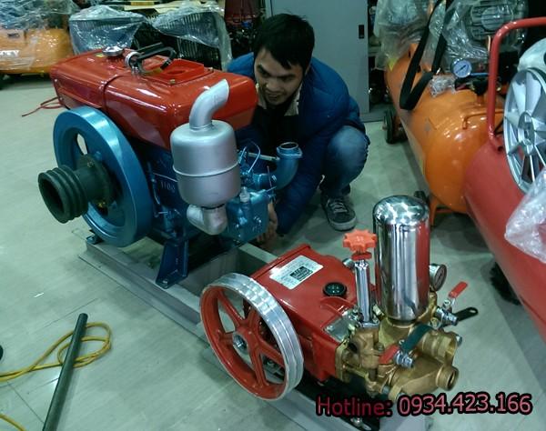 máy rửa xe chạy dầu diesel