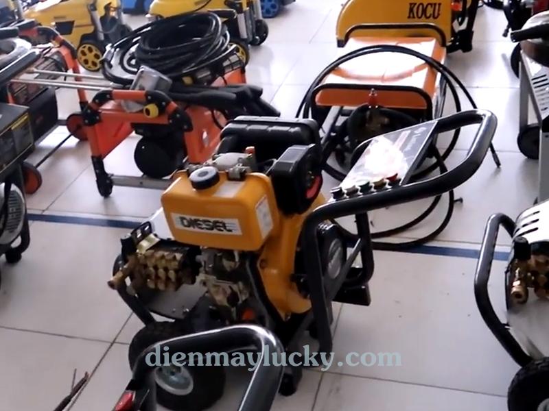 Máy rửa xe ô tô cao áp chạy dầu Diesel Lutian 7HP