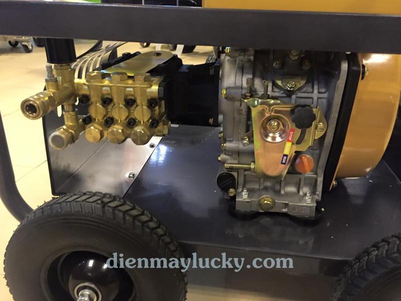 Máy rửa xe cao áp chạy dầu Diesel Lutian 10HP 2
