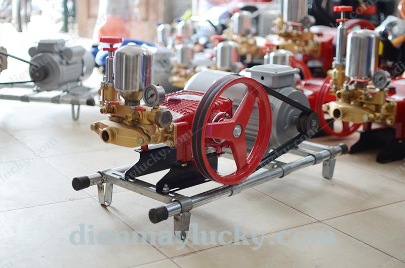 máy rửa xe máy áp lực